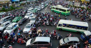 Cảnh giao thông lúc tan tầm